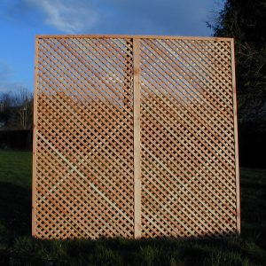 Larch diamond screen trellis 1.5 x 1.83