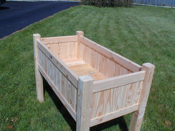 Larch raised planter box