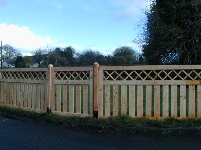 Larch angus fence panel